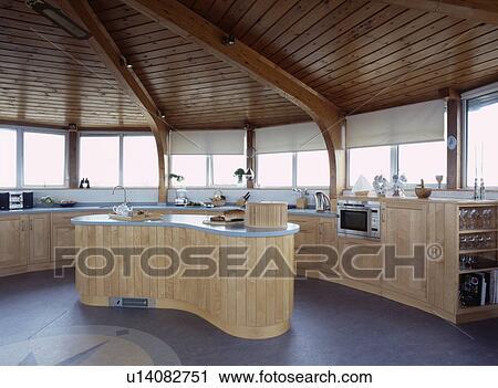 slate floor kitchen cabinets design software 攝影圖庫 木制 天花板 在 圓 蒼白 木頭 現代 廚房 由于 板岩 地板 以及 給鑲板 島 單位