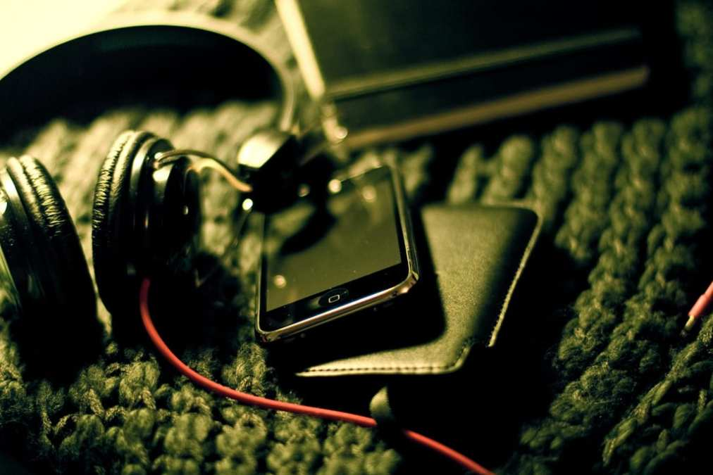 How Simple Music Apps Can Help Techs Fight Stress