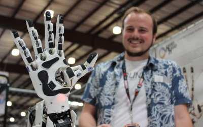 Makers, Tinkerers, Techs: Field Service Meets Maker Faire