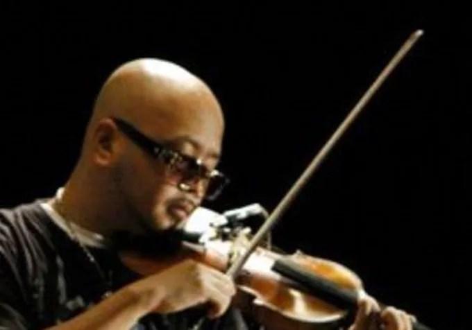 バイオリンを弾けなくなったミュージシャンGEN 画像