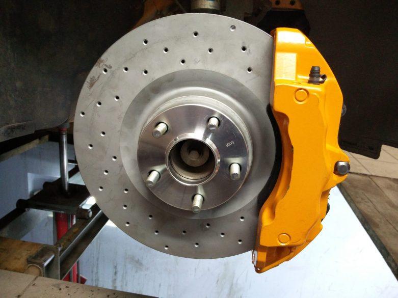 6-piston-big-brake