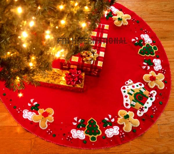 Patriotic Santa 43quot Bucilla Felt Christmas Tree Skirt Kit