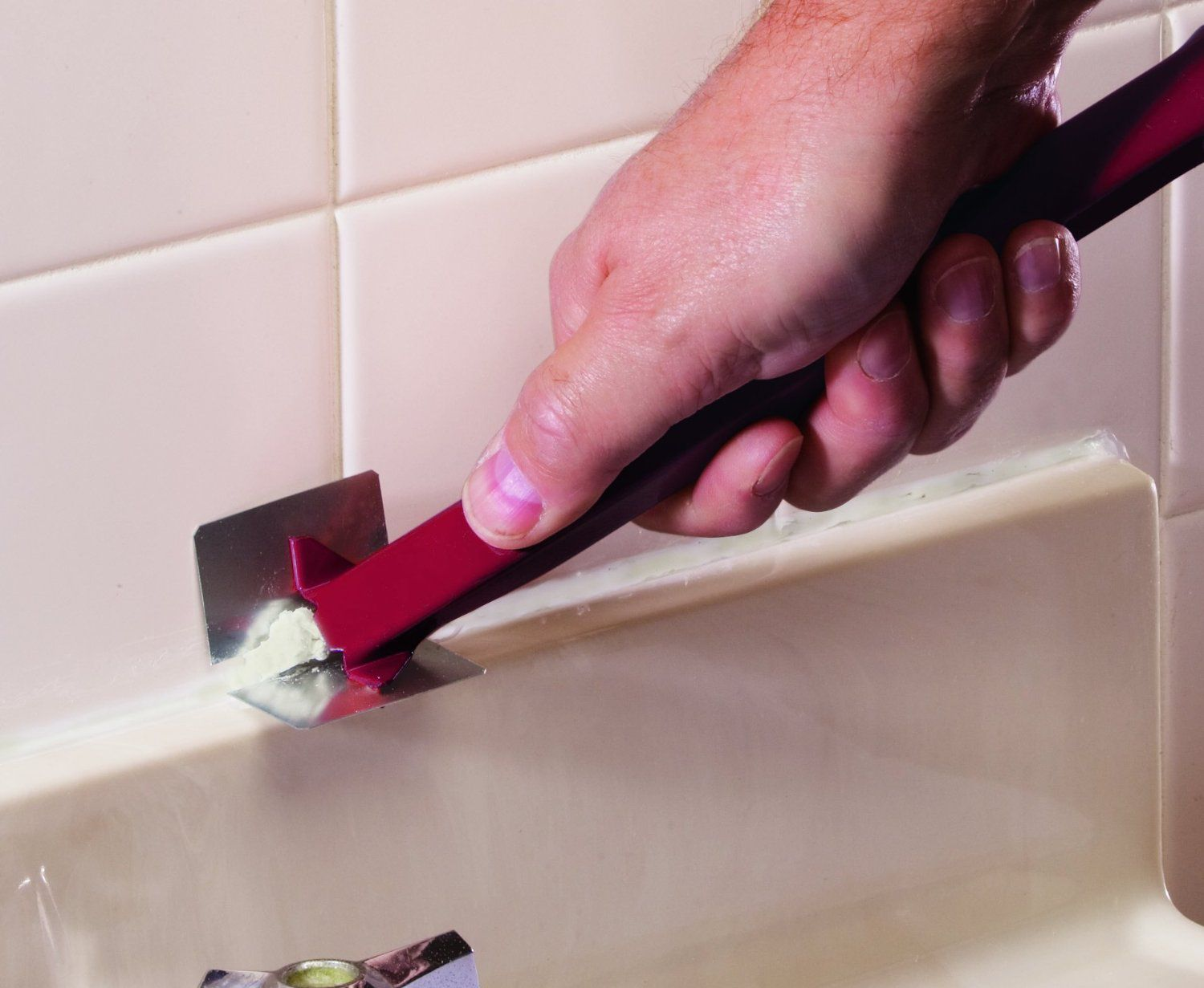 How to Remove Old Caulk From Your Bathtub or Sink