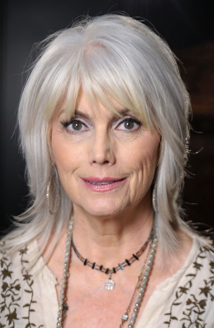 Gorgeous Haircuts on Women in Their 60s
