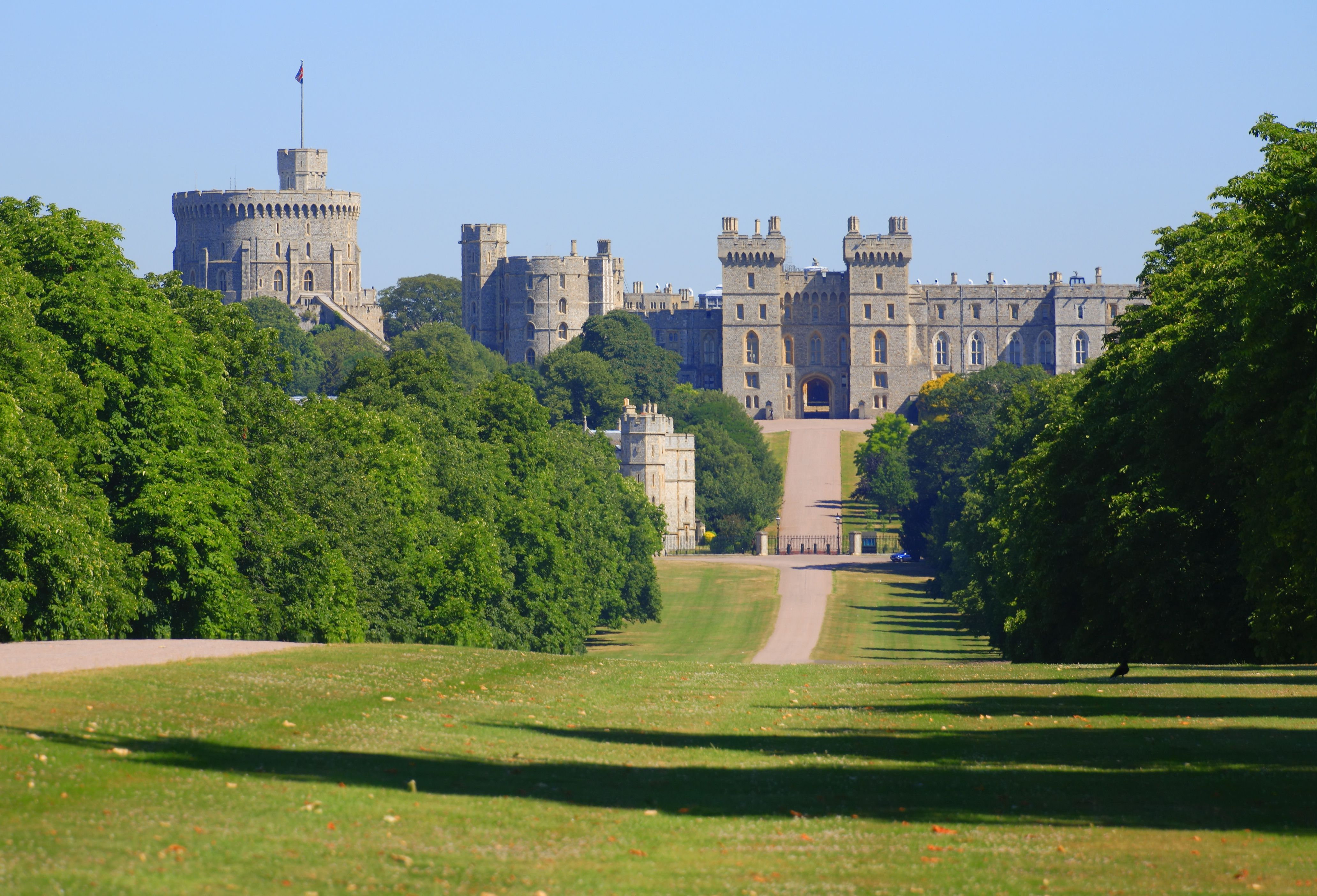 London to Windsor Castle by Bus Train or Car