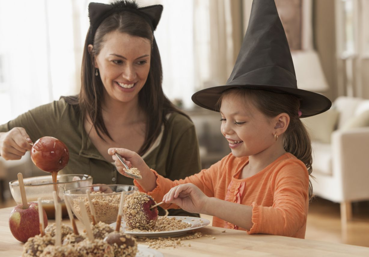 Halloween In France French English Bilingual Story