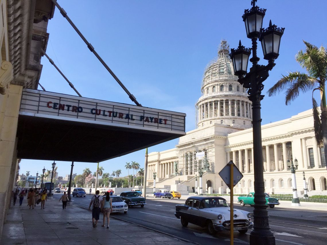 Havana Street Scene El Capitolio Old Theater And Cl Ic Cars
