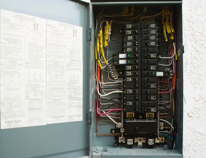30 Amp Rv Wiring Schematic Remove A Circuit Breaker Safely By Yourself