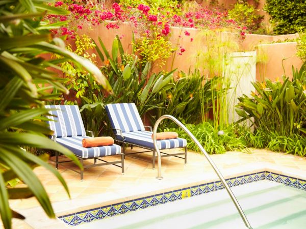 landscaping ideas pool areas