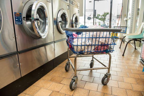 6 Tips Easier Laundromat Trips