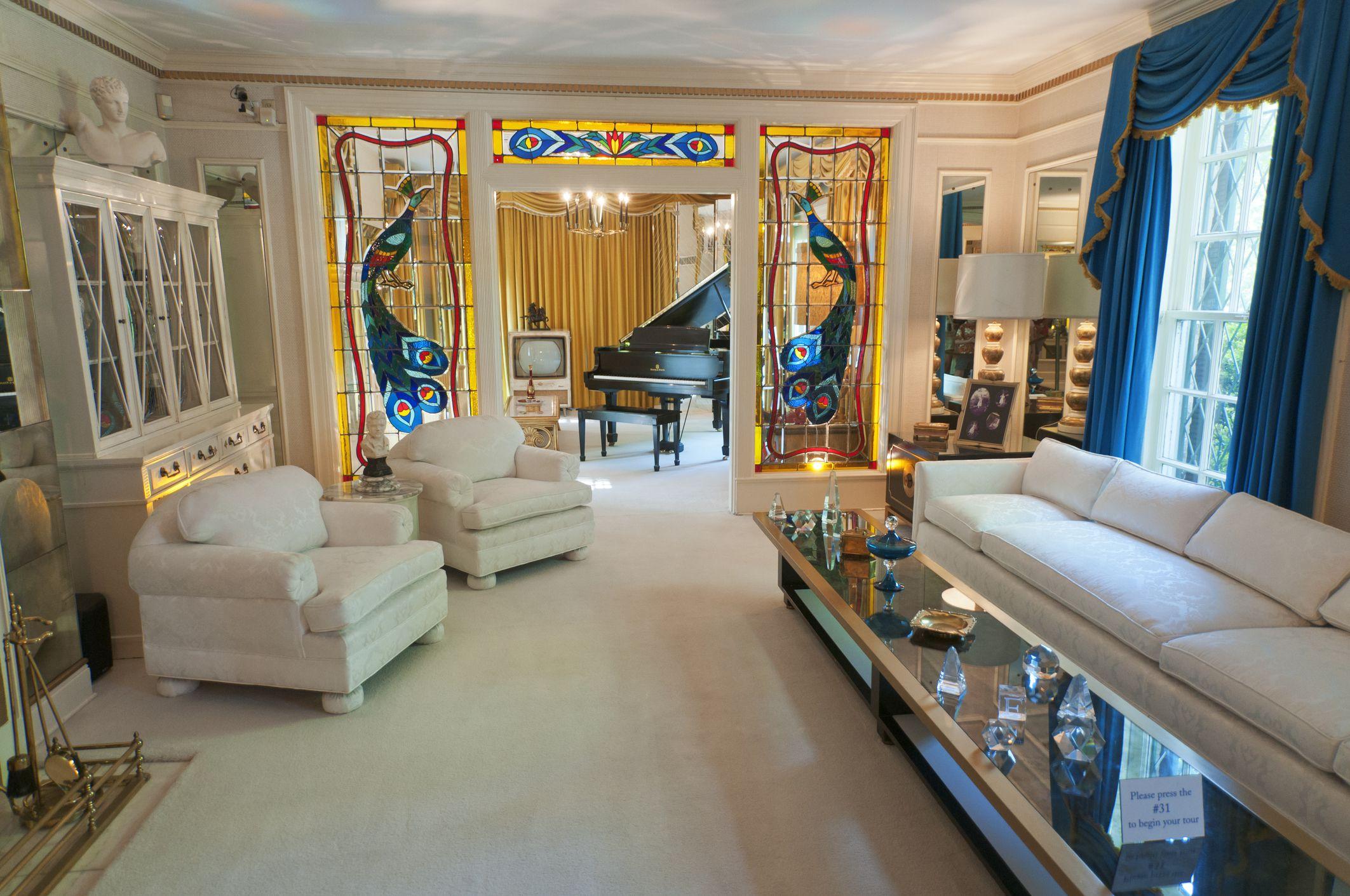 Graceland Mansion Elvis Presleys Home