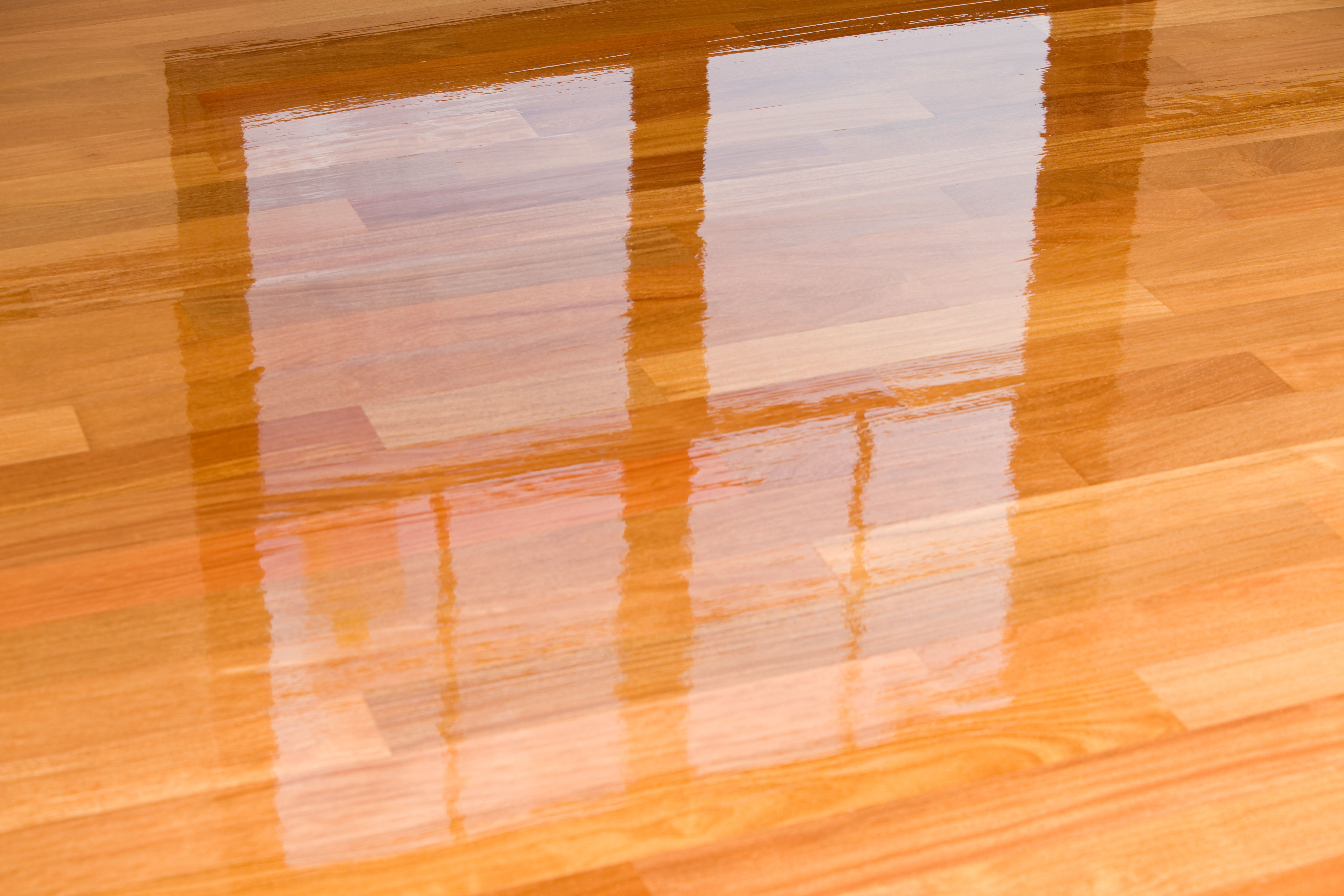 Guide to Laminate Flooring Water and Damage Repair