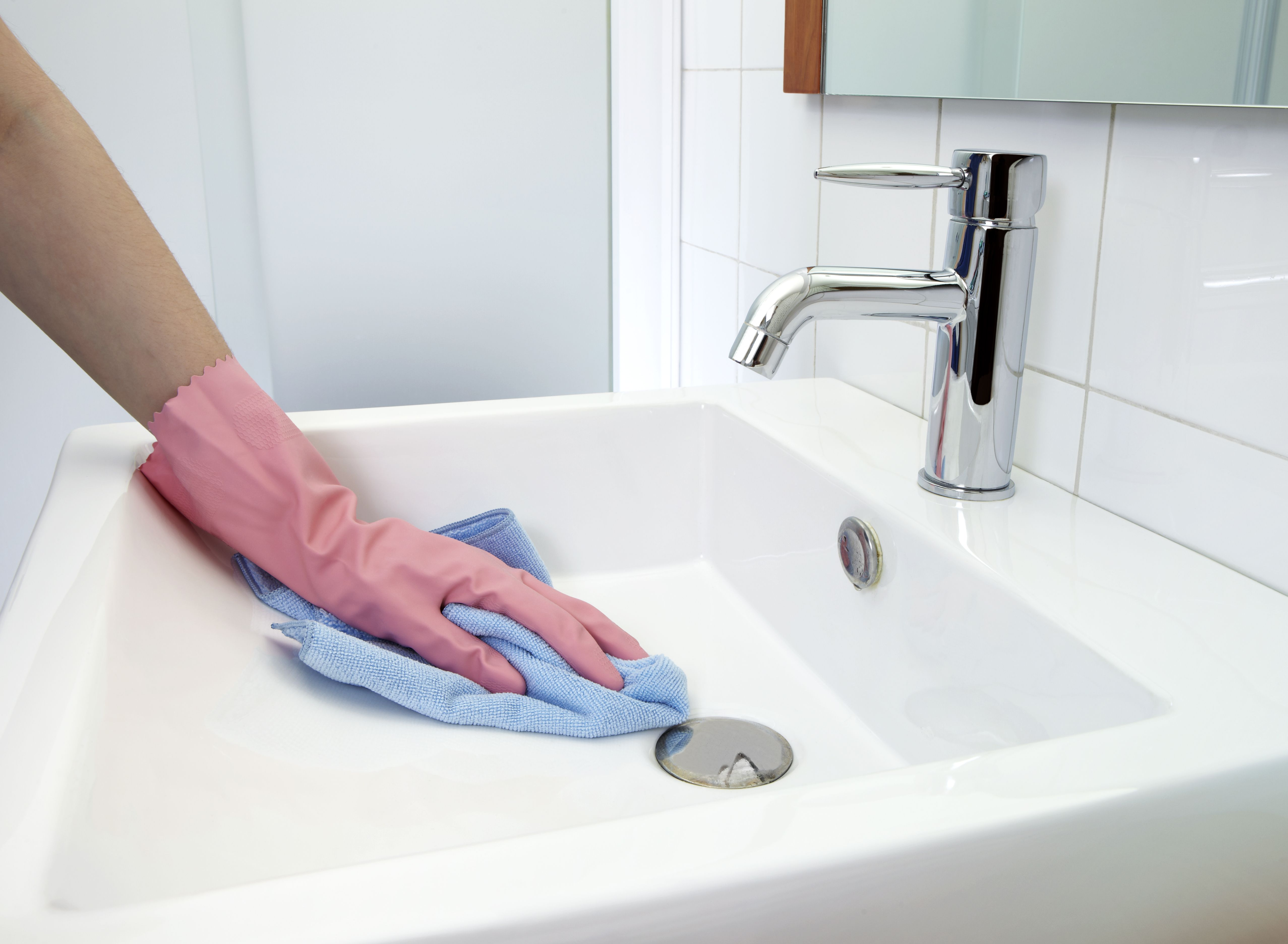 How To Remove Rust Stains From Toilets Tubs Amp Sinks