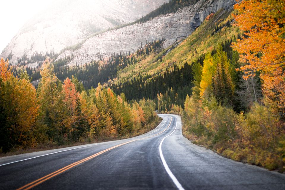 Fall Mountain Scenes Wallpaper The 10 Best Places To See Fall Foliage In Canada