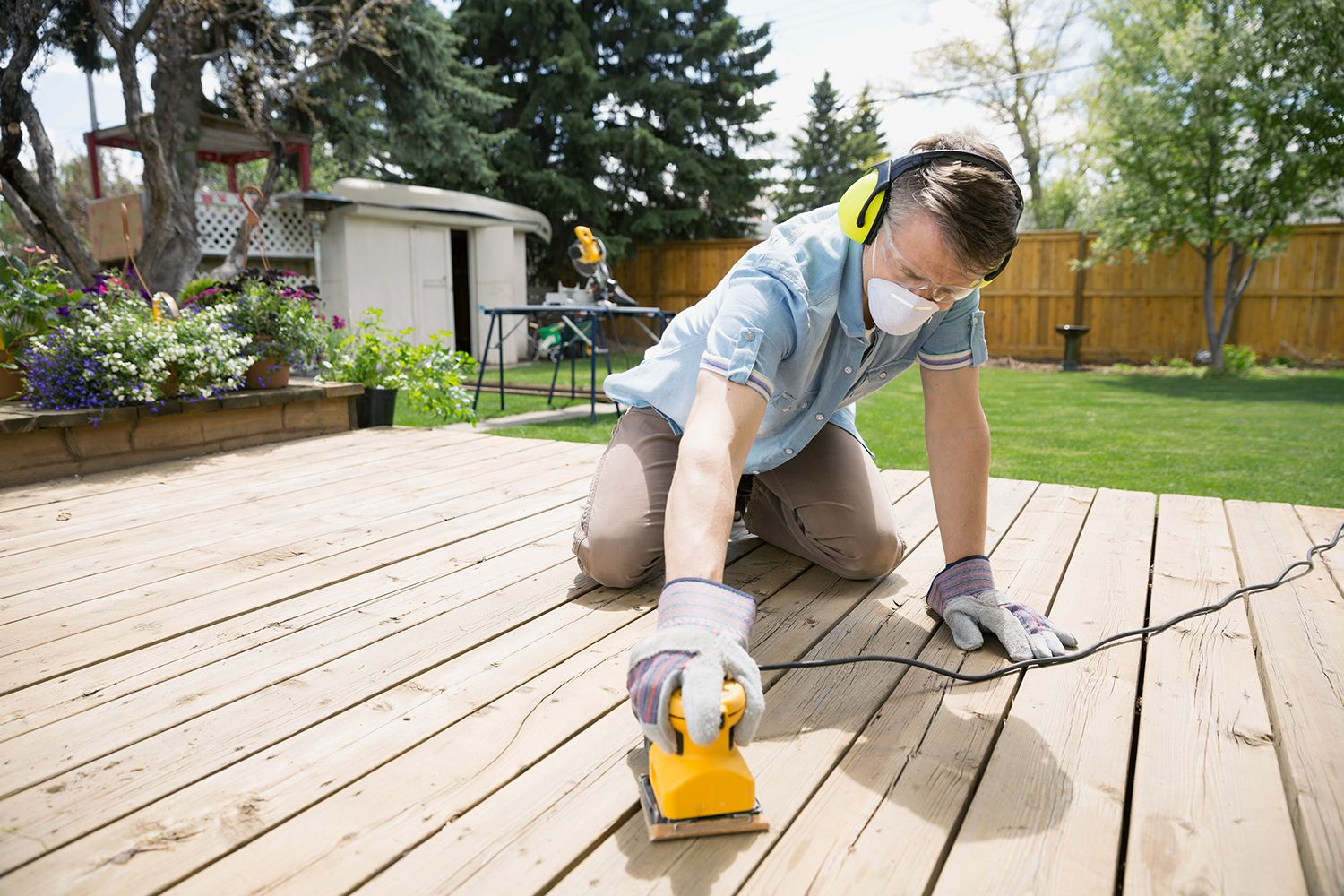 Tips for Properly Sanding a Wood Deck After Washing