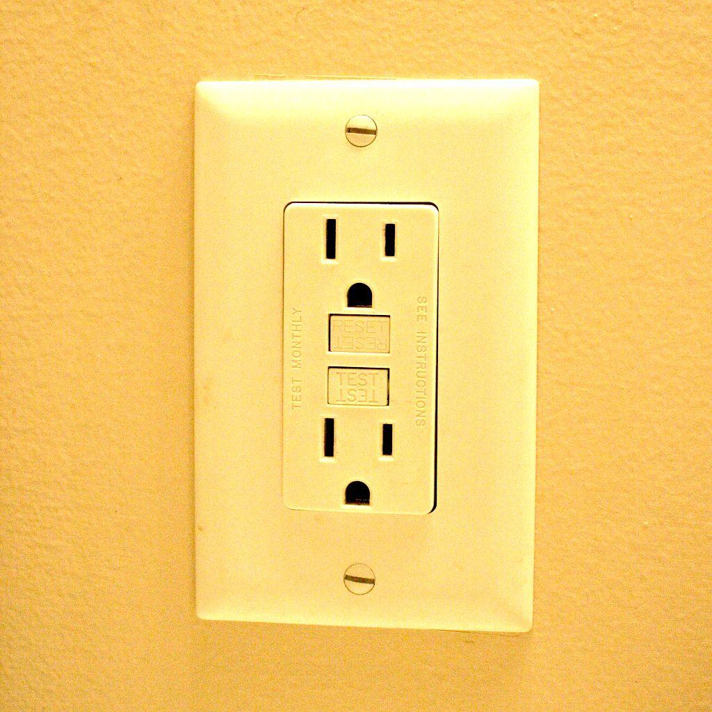 Testing Ground Fault Interrupter Outlets