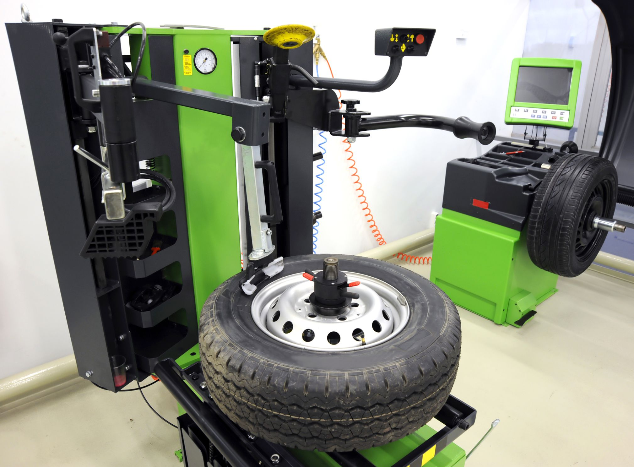 Filling Car Tires Air