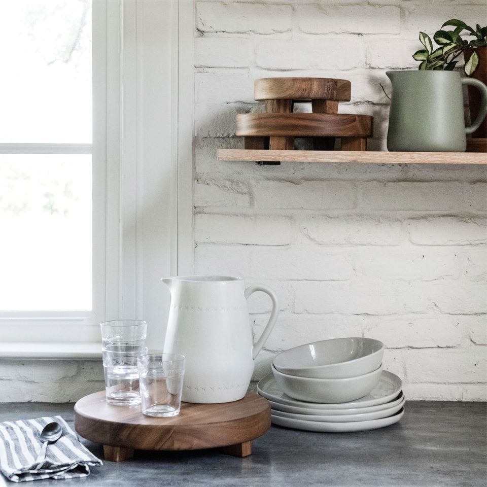 Hearth Amp Hand With Magnolia Chip And Joanna Gaines Home