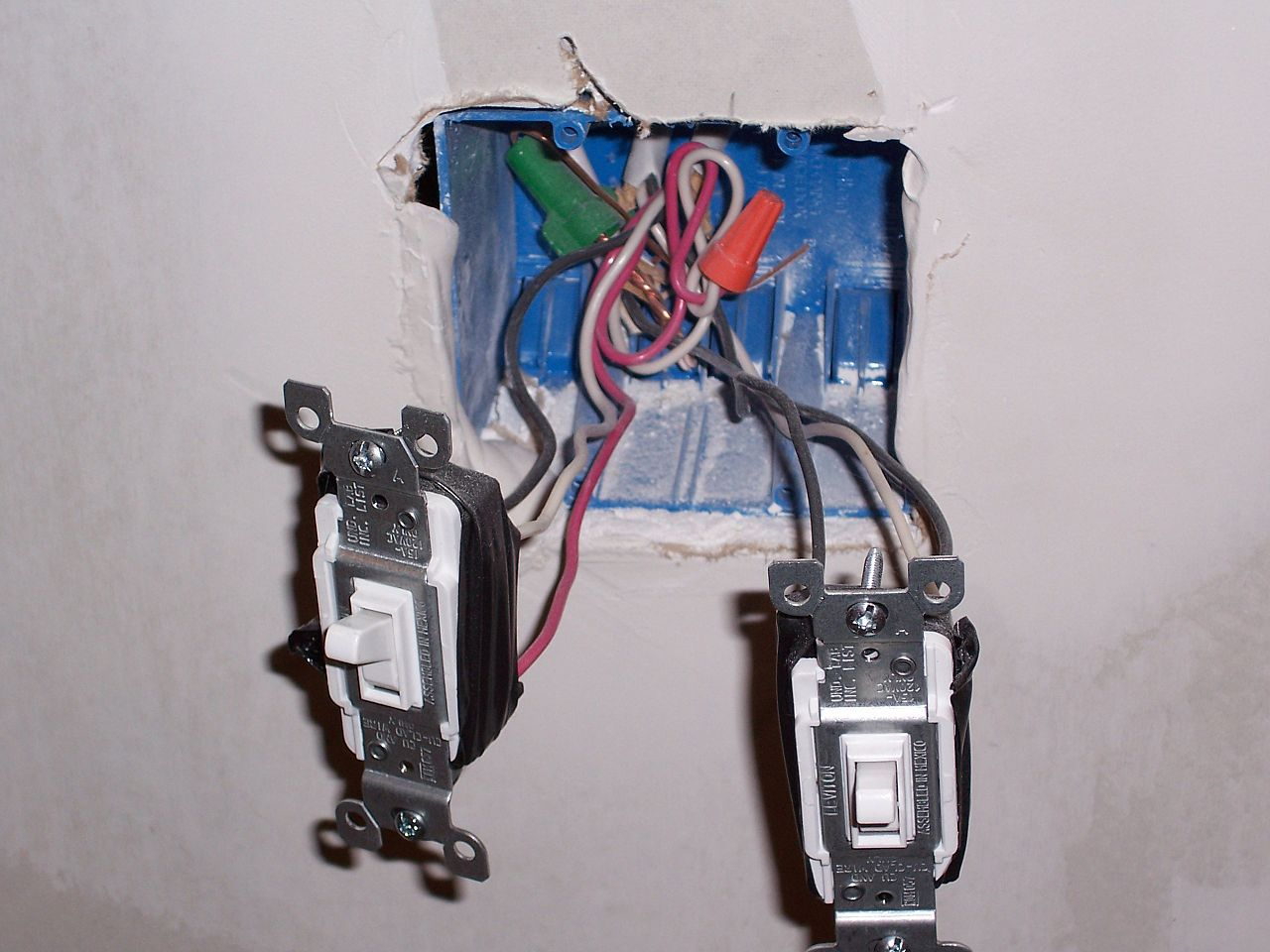 wiring diagram for light switch and outlet in same box 2004 hyundai accent radio how to connect electrical wires fixture terminals