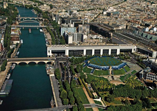 And In 12th Arrondissement Of Paris