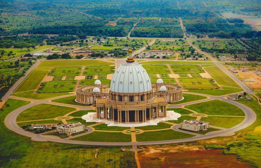 Image result for Basilique de Yamoussoukro, Côte d'Ivoire
