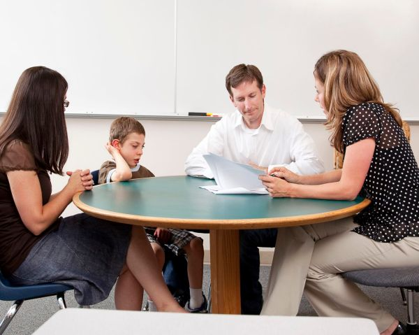 Improving Student Behavior With Contracts