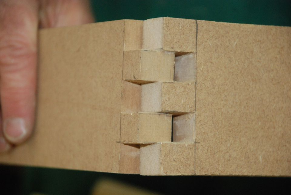 Box Joints A Simple Alternative To Dovetails
