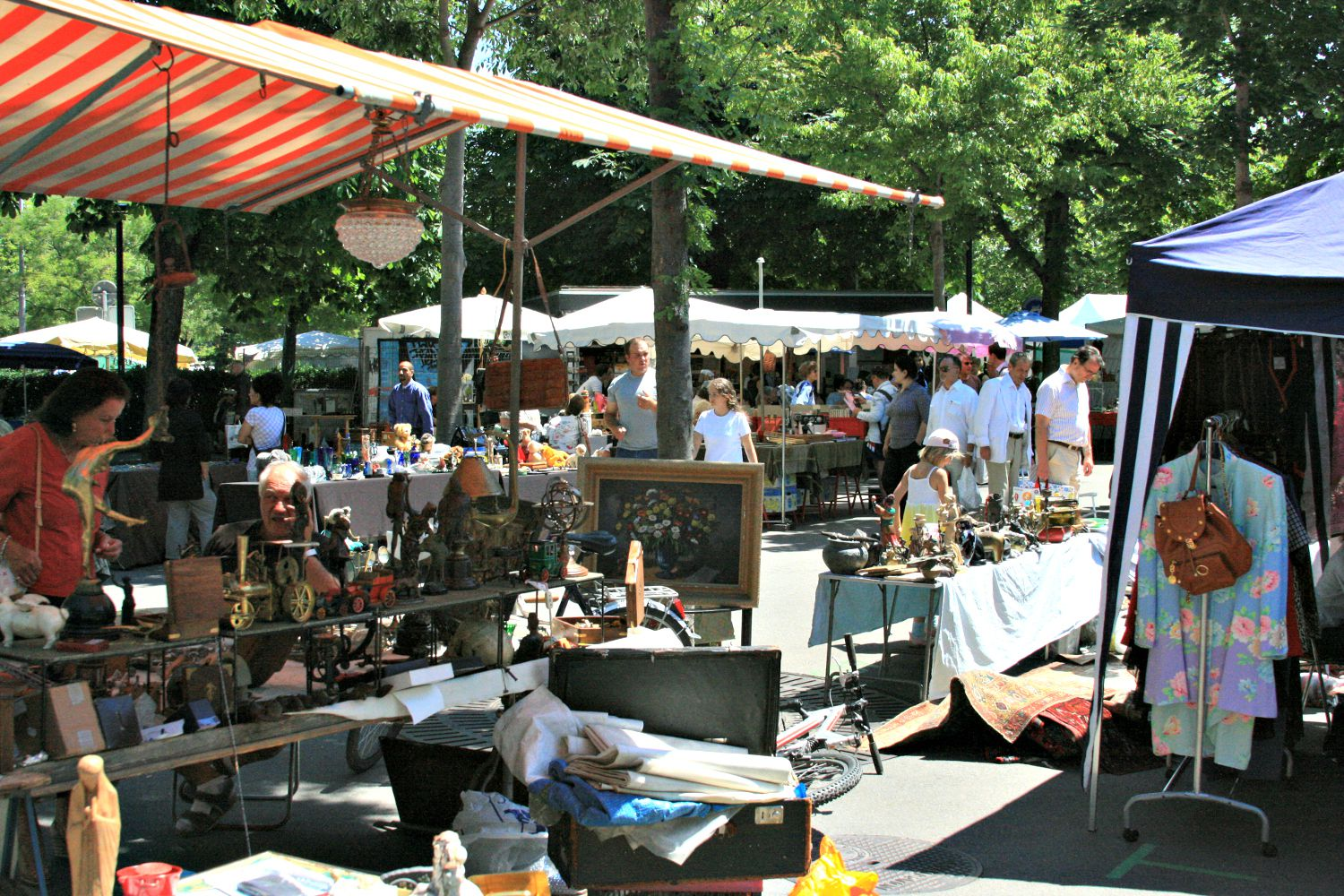 Flea Market Decorating Ideas