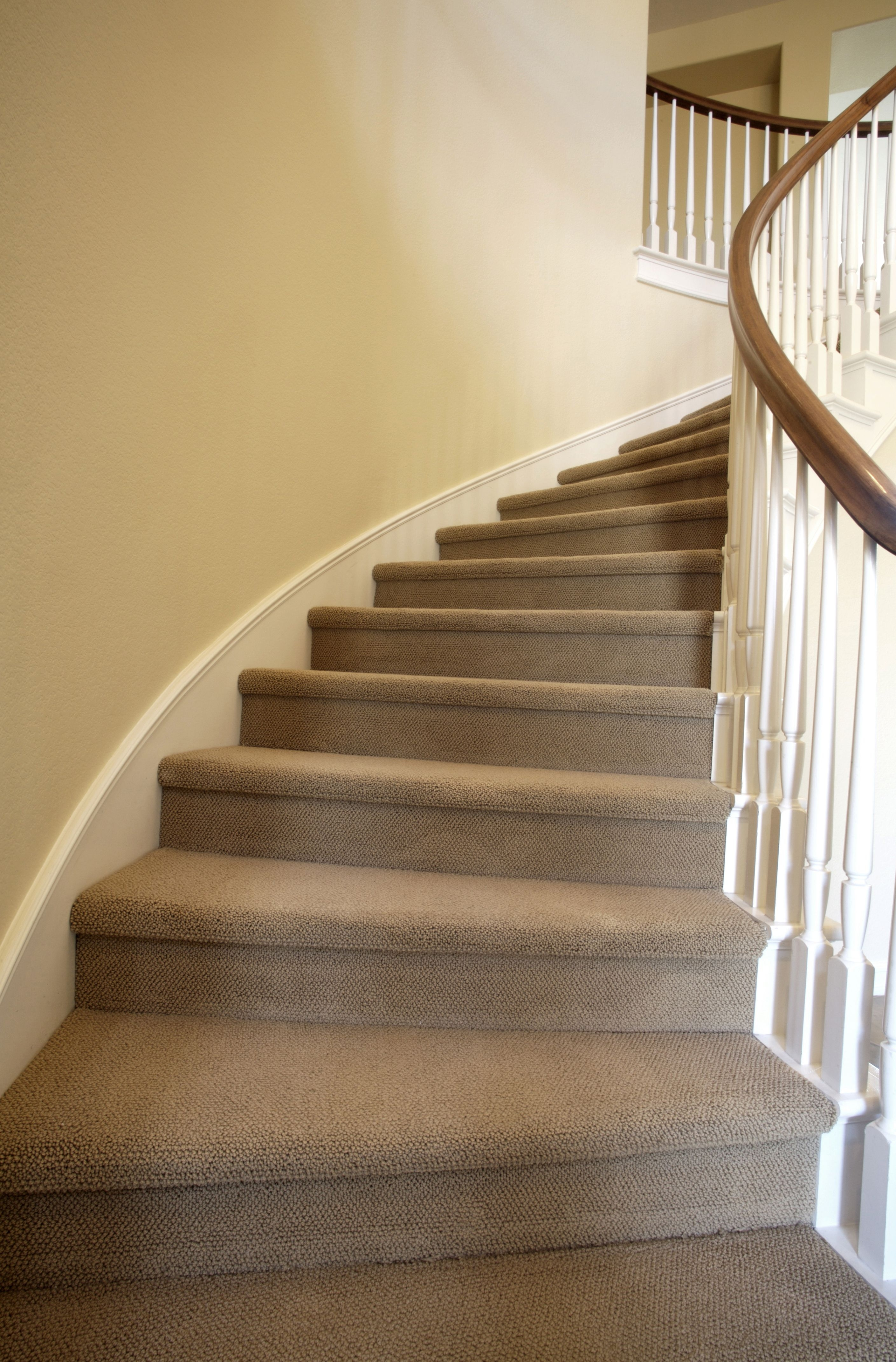 Measuring And Calculating Carpet For Stairs | Best Rug For Stairs