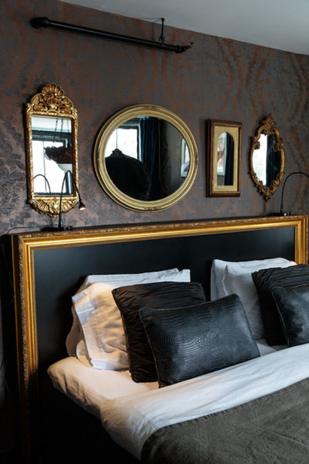 25 Hollywood Regency Style Bedroom Ideas