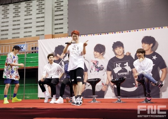 31.08.14 - ftisland athletics pri day 07