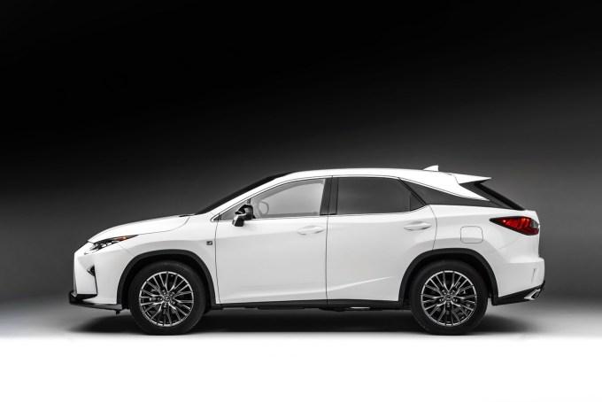 2016-Lexus-RX-30