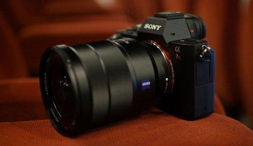 Sony-A7r-II-hero-745
