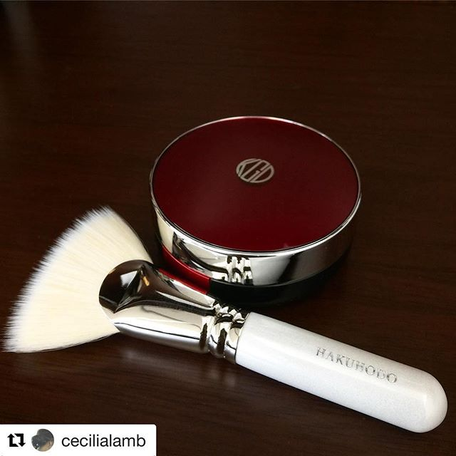 #Repost @cecilialamb (@get_repost)・・・Kohgendo new foundation#kohgendo #summer2017 #limitededition #new #AquaFoundationCompact #summermakeup #madeinjapan #japan #JBeauty #hakuhodo #fanbrush #handmade @fudejapan