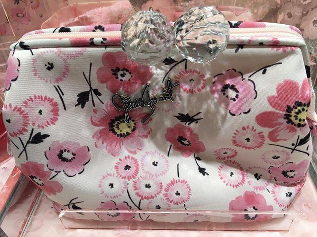 #jillstuartbeauty pouch