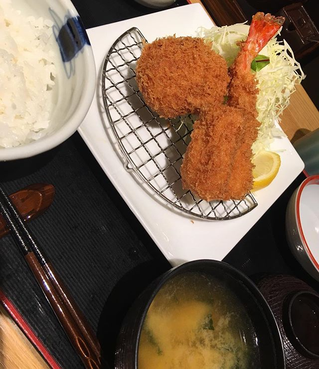 #Tonkatsu and fried shrimp lunch  today. 990 yen