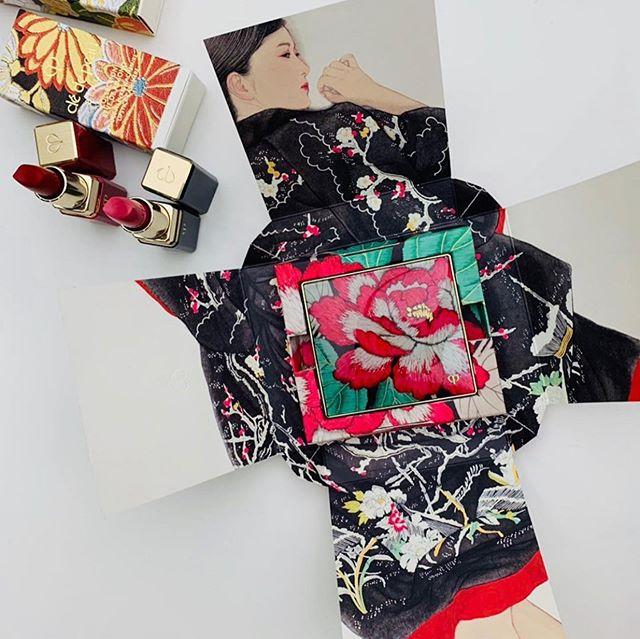 #cledepeaubeaute holiday collection-Kimono Dream #repost @maquia.magazine・・・その佇まいにも、ラグジュアリーな風情を漂わせる「クレ・ド・ポー ボーテ」のコスメたち️ 2019年ホリデーコレクションのテーマは『KIMONO DREAM』 魅惑の顔ぶれをどこよりも早くご紹介します️★日本の伝統的な衣装「KIMONO」の鮮やかな色や四季を描く絵柄は、女性の内面を映し出す心模様🧚🏻♀️ 幾重にも重なり合う華やかで奥深いデザインが徐々に開かれることで、それぞれのアイテムが表現する女性の内面美が開花するようなパッケージデザインです★SNSで自慢したくなるようなフォトジェニックなホリデーコレクション 自分へのご褒美も大切な友人へのプレゼントも、ひと目みてアガる逸品を選びたいもの。「クレ・ド・ポー ボーテ」なら間違いナシ★クレ・ド・ポー ボーテ ルージュアレーブル n 511 シルクパッション ¥6000クレ・ド・ポー ボーテ ルージュアレーブル カシミア 512 レッドパッション ¥6000クレ・ド・ポー ボーテ オンブルクルールクアドリn 320 ドレイプドインベルベット ¥7500クレ・ド・ポー ボーテ ユイルレパラトゥリス【医薬部外品】75mL ¥14000*全て数量限定品。10月21日発売。★WEB編集KN ◡̈⋆#cledepeaubeaute #maquia #maquiaonline #beauty #lips #cosme #makeup #lipstick #new #Beauté #follow #holidaycollection #화장품 #化妆品 #美容 #クレドポーボーテ #コスメ #マキア #マキアオンライン #メイク #新作コスメ #コスメ好きさんと繋がりたい #美容好きな人と繋がりたい #クリスマスコフレ