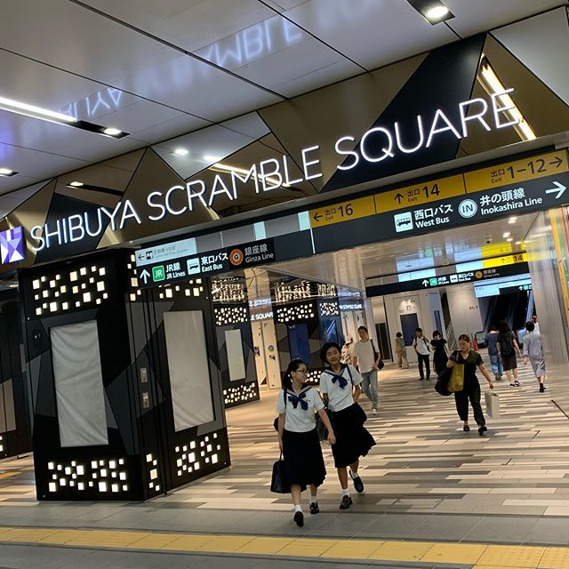 #Shibuya's new shopping building on Monday morning: Oh today is the first day for school 2nd semester.I know some don't feel good when a school starts because I was one