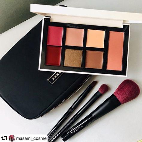 #three lip eyeshadow and blush with a brush set #repost @masami_cosme・・・THREE10周年の太っ腹なアニバーサリーコレクション。歴代のシグネチャーカラーに旬のリップ、アイシャドウ、チーク、ハイライト&シェーディング。さらにさらに3種のブラシとポーチつき。セレブレーションリペレーションパレット 2種 ¥13,00011月13日限定発売#instabeauty #beautynews #makeuppallete #three #threecosmetics #10anniversary #限定 #スリー