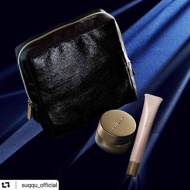 #repost @suqqu_official・・・FOUNDATION STARTER KITAttain hydrated and glowing skin with the Foundation Starter Kit. EXTRA RICH GLOW CREAM FOUNDATION 102 (15g)TREATMENT SERUM PRIMER (10g)SUQQU ORIGINAL POUCHAvailable from 1st December 2019 in JAPANファンデーション スターター キットうるおいと艶感あふれる美しい肌へ。 エクストラ リッチ グロウ クリーム ファンデーション102 (15g)トリートメント セラム プライマー (10g)SUQQU オリジナル ポーチ2019年12月1日(日) 数量限定発売光艷粉底組打造光采艷潤的絕美妝容。 晶采光艷粉霜102(15g)晶采極潤粧前乳(10g)黑艷晶采化妝包2019年12月1日 限量上市#SUQQU #スック #cosmetics #jbeauty #ファンデーション #foundation #ベースメイク #primer