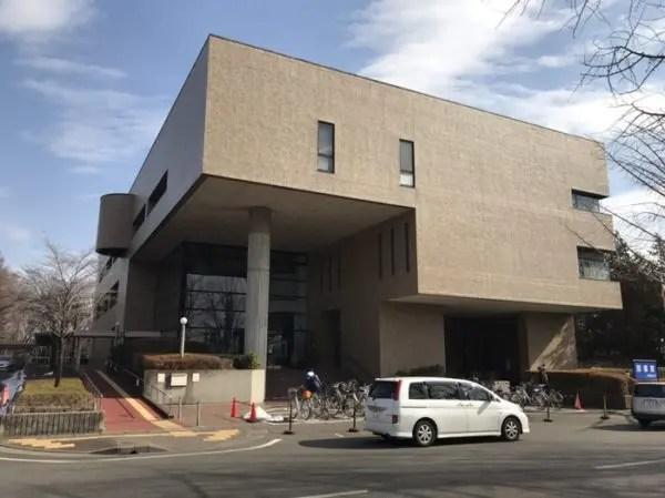 宇都宮市立図書館の外観
