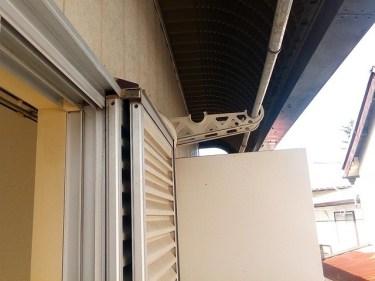 非常時!アパートのベランダにある仕切り板をどう破る?