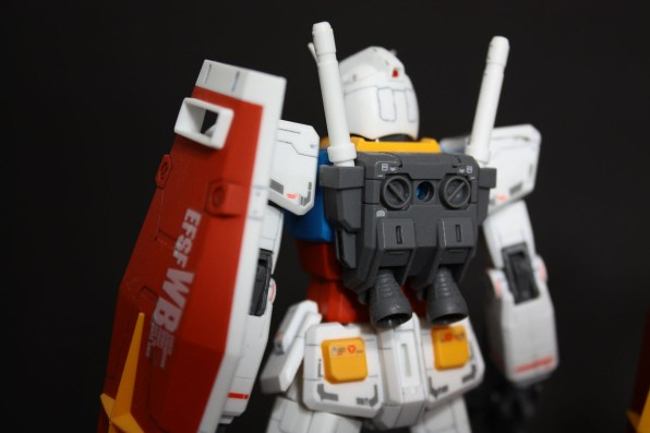 hguc-rx-78-2-gundam-009
