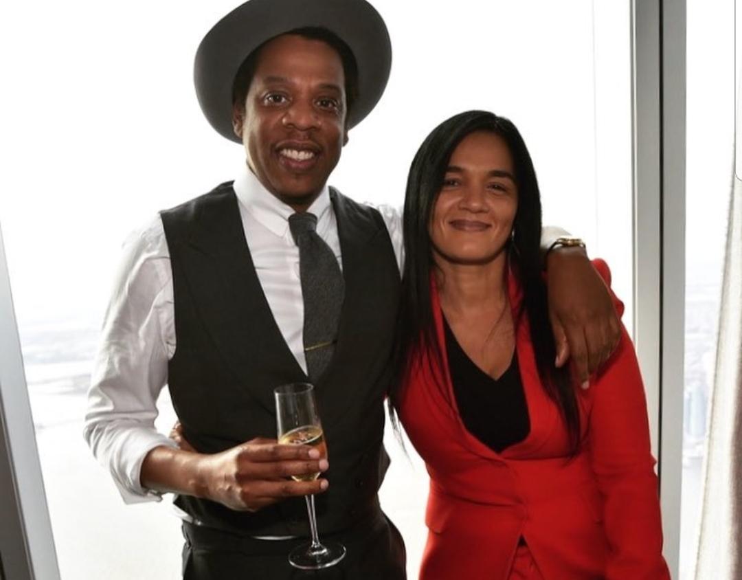 Ejecutiva de Jay-Z demanda empresa turística que le rentó una villa en Punta Cana