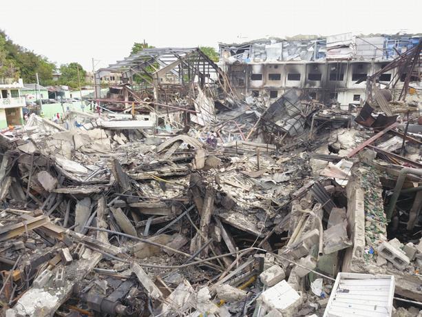 Obras Públicas inicia reparación de al menos 63 viviendas afectadas por explosión en Polyplas