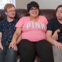Mujer vive con tres de sus cuatro novios y está embarazada