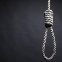 Hombre se suicida por difusión en redes sociales de video sexual con travesti