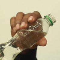 Al menos 38 personas ya han muerto por alcohol adulterado