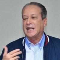 Mujer desconoce demanda de paternidad contra Reinaldo Pared Pérez