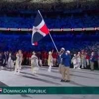A ritmo de merengue atletas dominicanos desfilan en juegos de Tokio